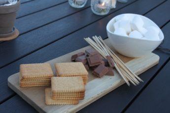 Skumfiduser, kiks og chokolade til S'mores